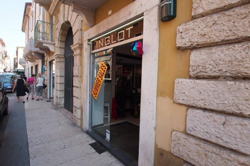 Negozio in affitto in centro a Verona