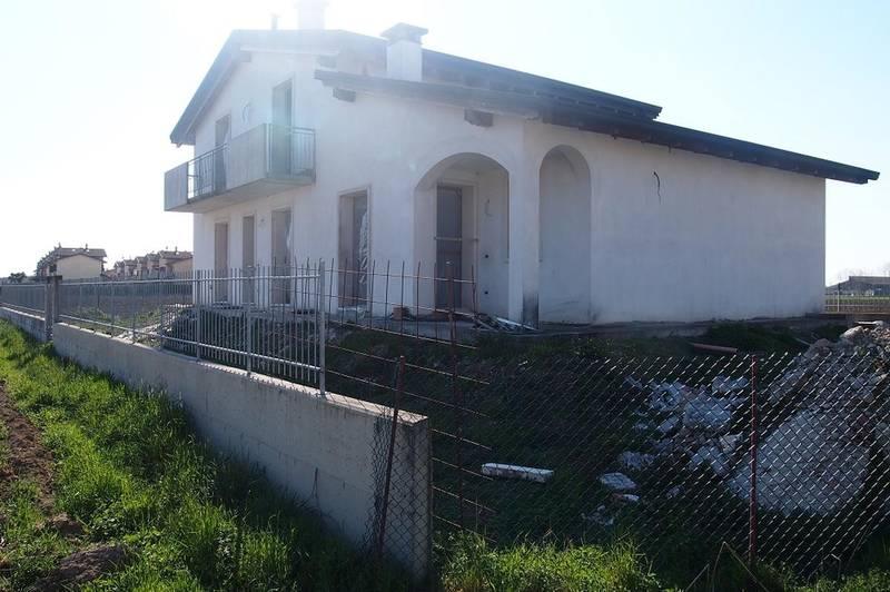 Vigasio, nuova villa singola in vendita