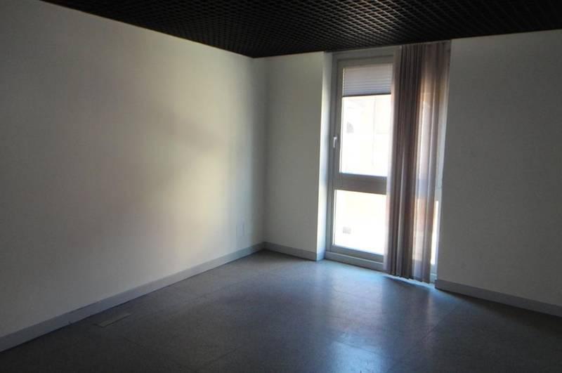 Verona, ufficio in vendita in zona centrale