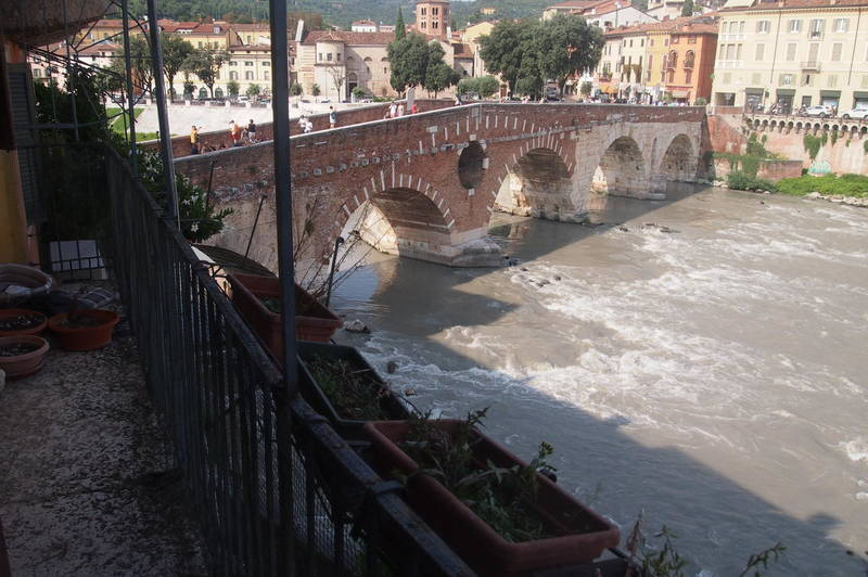 Gabetti - Agenzia Immobiliare Verona - Verona, Ponte Pietra, appartamento in vendita fronte Adige