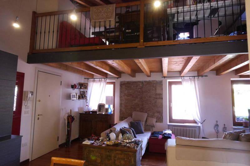 Verona, ampio bilocale con soppalco in affitto
