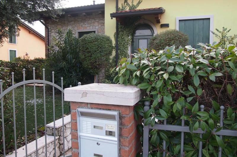 Ronco all'Adige, porzione di villa bifamiliare in vendita