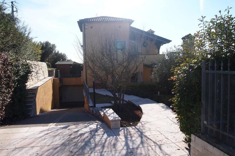 Negrar, villa bifamiliare in vendita